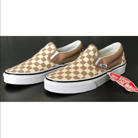 e87554bbc0 Vans Men s Classic Slip-On Checkered Tiger s Eye